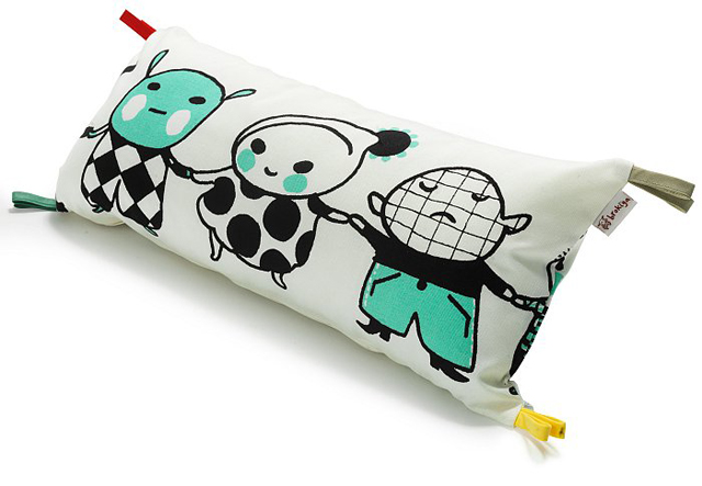 Brokiga-in-line pillow small-low